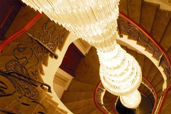 palatul Suter candelabru