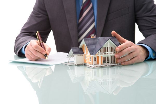 http://www.dreamstime.com/stock-images-purchase-agreement-house-image37998674