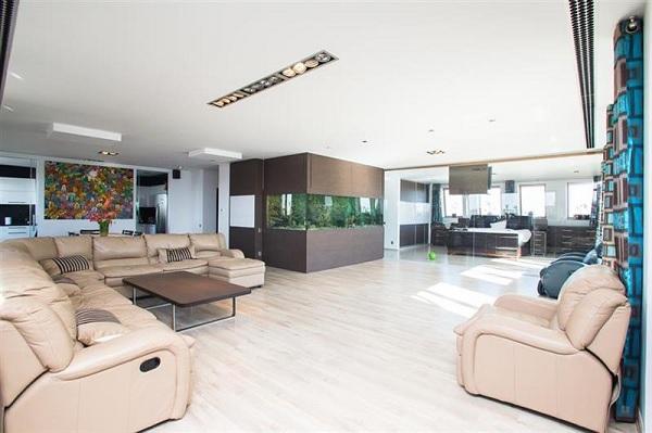 penthouse Vitan 12