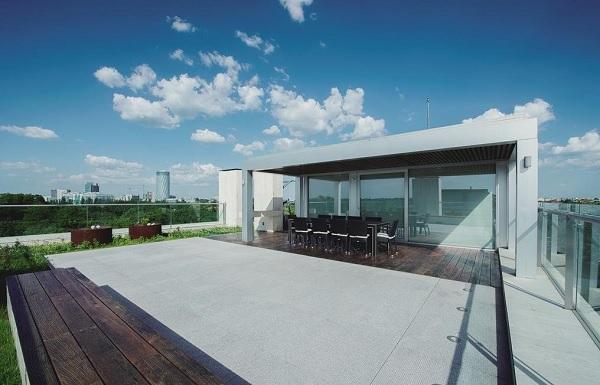 Regatta penthouse 6
