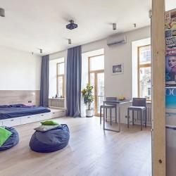 Spaţiu şi relaxare: amenajare neconvenţională pentru un apartament vechi