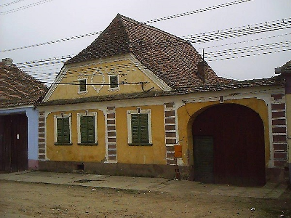 Monumentum 2 - Casa veche
