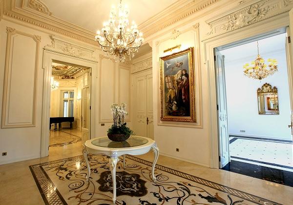 Palatul Noblesse holul central