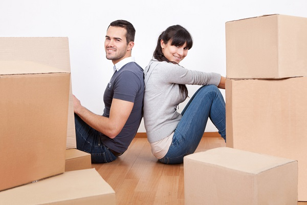 http://www.dreamstime.com/stock-photography-couple-moving-new-house-image26749822