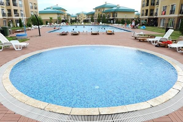 cosmopolis piscina 3