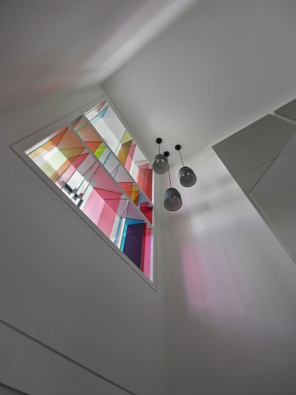 Color contrast apartment 10