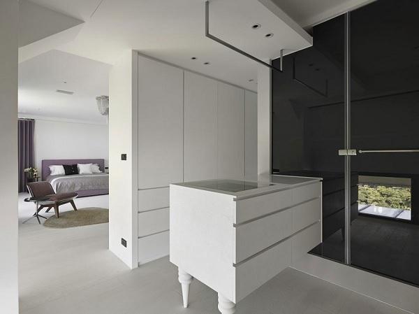 Color contrast apartment 13