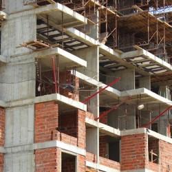 bloc in constructie