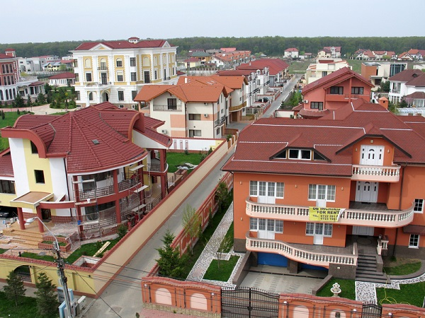 http://www.dreamstime.com/royalty-free-stock-images-complex-houses-villas-residential-pipera-district-view-top-image33933959