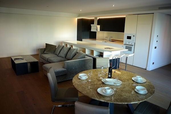 Cortina Residence 8