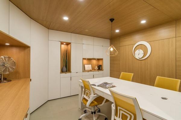un garaj obisnuit este transformat de o echipa de designeri