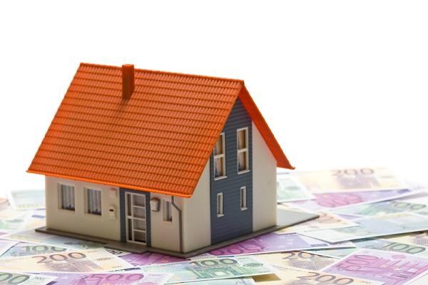 scumpirirle caselor revin sub nivelul de alerta