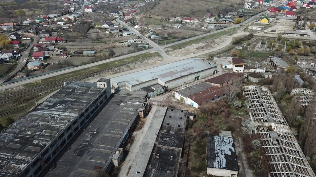 4,2 ha de teren si 18.000 mp de spatii comerciale de vanzare