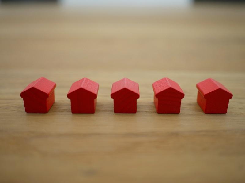 Evoluția achizițiilor de imobile în august 2020: creștere ușoară comparativ cu anul trecut