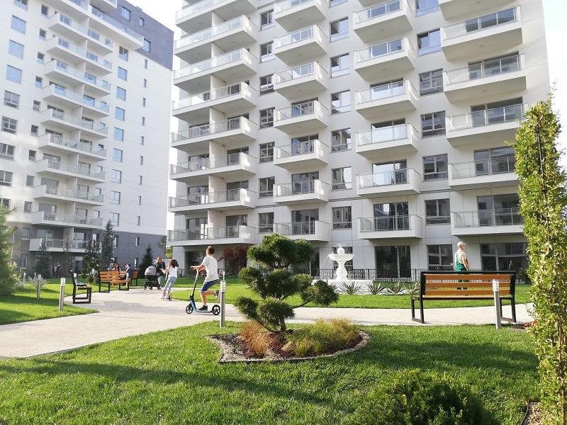 Au fost finalizate 268 de apartamente într-un ansamblu rezidențial premium din nordul Capitalei. Spațiile verzi vor ocupa 42% din suprafața totală a terenului aferent