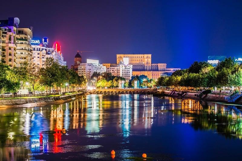 Prețurile apartamentelor în luna septembrie: în București s-au stabilizat, în Cluj-Napoca, Brașov și Constanța s-au majorat